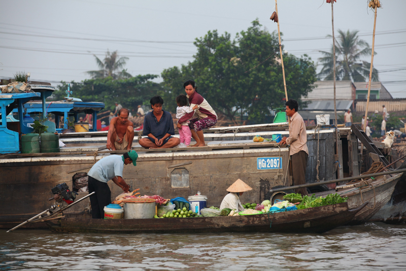 CaiRang floating market